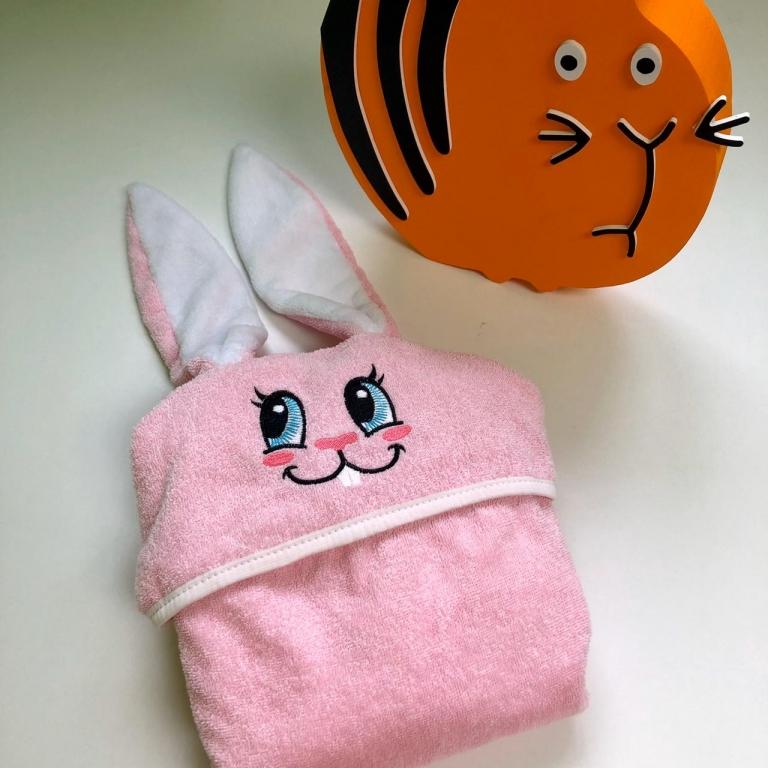 Полотенца Полотенце детское с капюшоном зайки, розового цвета. Размер 130х65.